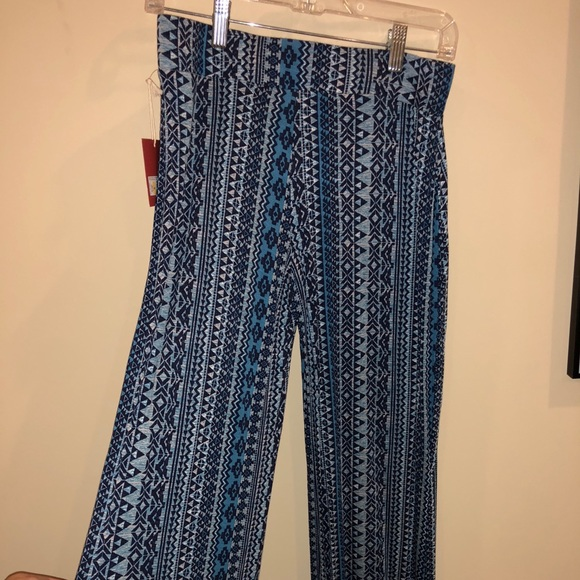 Mossimo Supply Co Pants Blue Patterned Flowy Poshmark Simple Patterned Flowy Pants